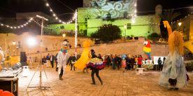 Dancing animals in the piazza - Festa di Santa Maria della Coltura in Parabita (photo by DB)